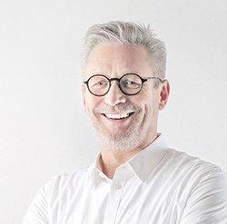 Alan D Robertson